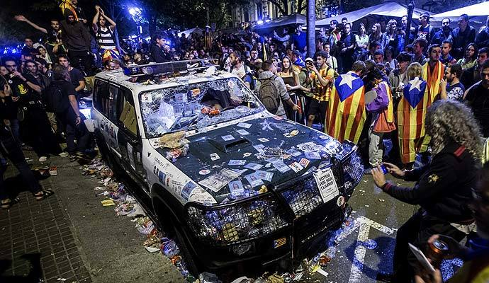 protesta-independetistas-conselleria2_1